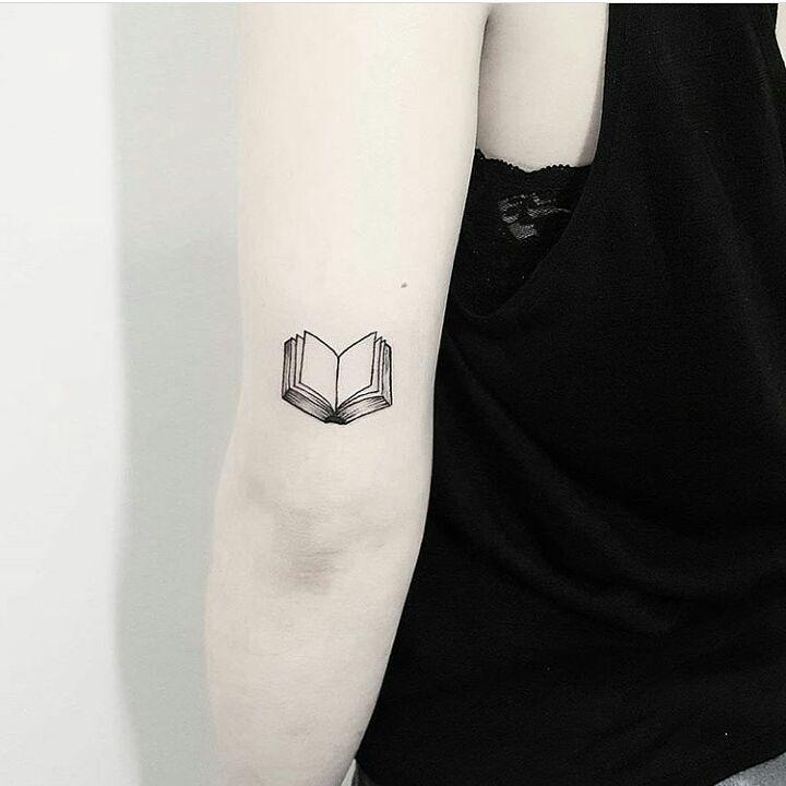 #tattoo #tattoowork #minimaltattoo #minimalisttattoo #smalltattoo #dovme #dövme #dövmem #istanbul #kadikoy #worldtattoo #dovmemodeli #caddebostan #moda #yeldegirmeni #ink #watercolor #watercolortattoo #color #design #follow #artwork #art #instagram #insta #vsco #vsc