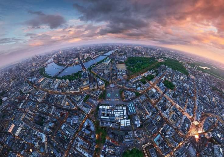 A fish-eye view of London's Trafalgar Square
